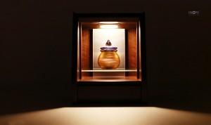 明かりの灯る照明タイプのデザイン仏壇「NOBLE-ノーブル」