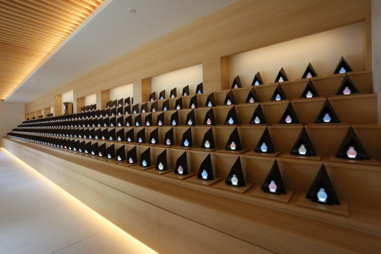 アートガラスのデザイン納骨堂